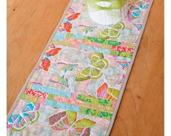 VALORI WELLS Sophia Table Runner large sewing card