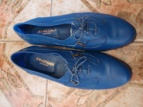 Awesome, never worn, blue leather men's shoes in a size 42