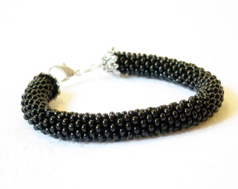 Minimal bangle/High fashion Bracelet//Black jewelry/Beaded rope bracelet/Crocheted bangle