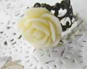 Cream Flower Cameo Ring - Filigree  Rose Cabochon