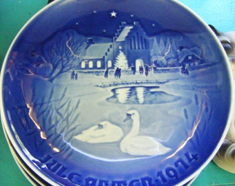 1974 Christmas In The Village Bing Grondahl Made in Denmark Christmas Plate