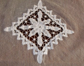 Victorian Edwardian Pillow Netting Overlay with Hand Crocheted Lace Medallion 1800s