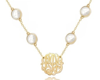 18K Gold Vermeil Monogram necklace - Small Initials Necklace with white pearls