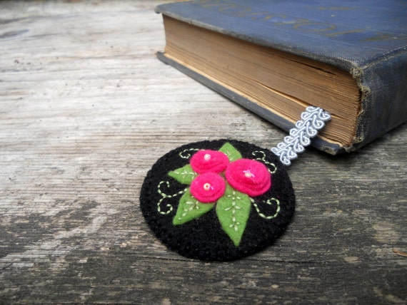 Felt bookmark Black fuchsia bookmark Roses bookmark Personalized Gift for booklover Floral bookmark