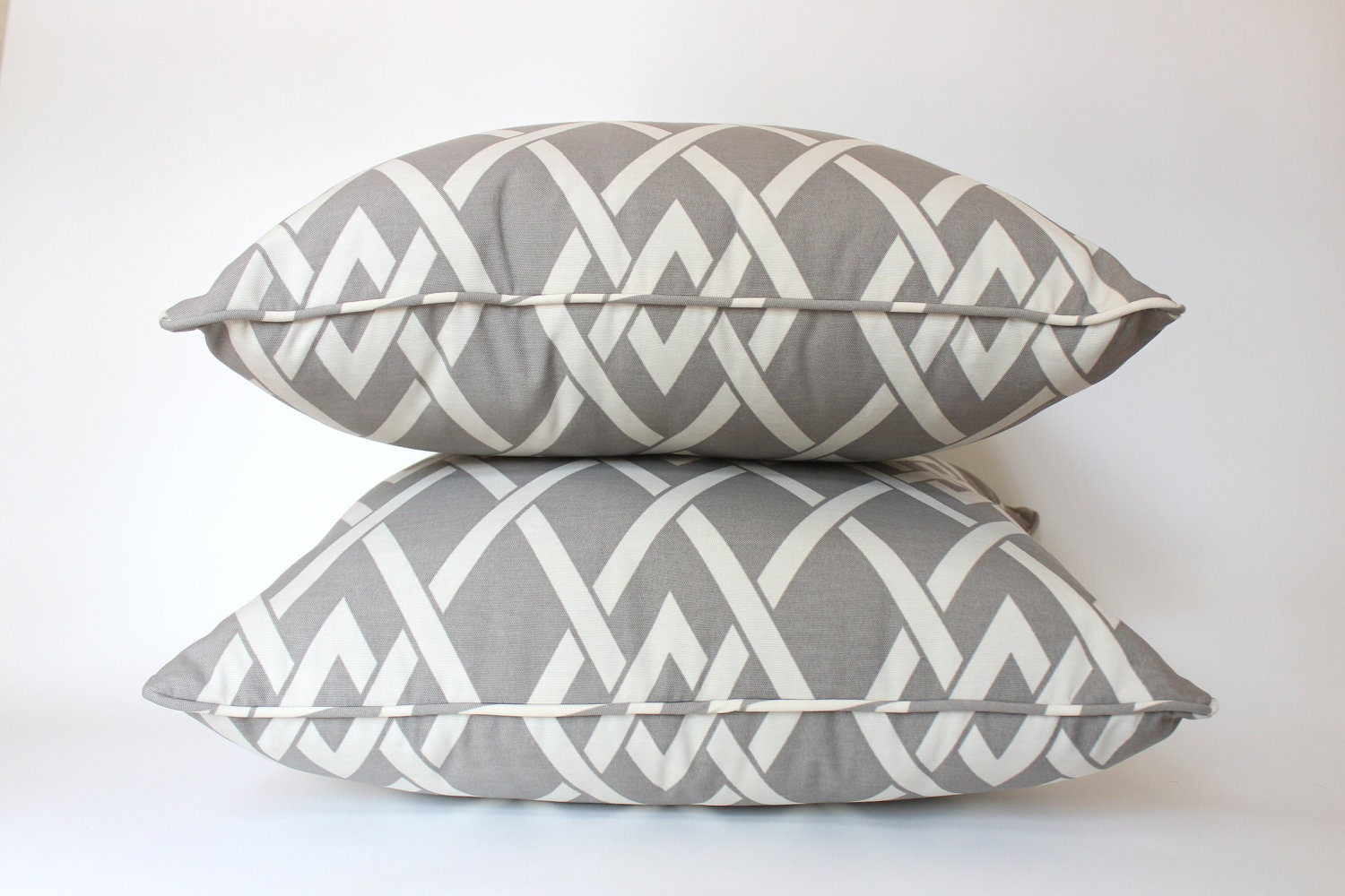 Outdoor Pillows Grey Geometric