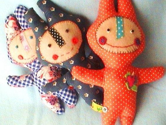 One of a kind folk art doll  - Açafrão 3