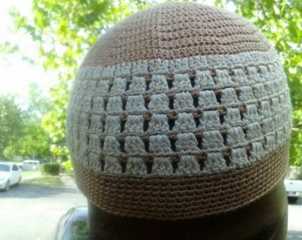 Can I get a latte, is the name of this kufi style beanie. Made of 100% cotton crochet thread.