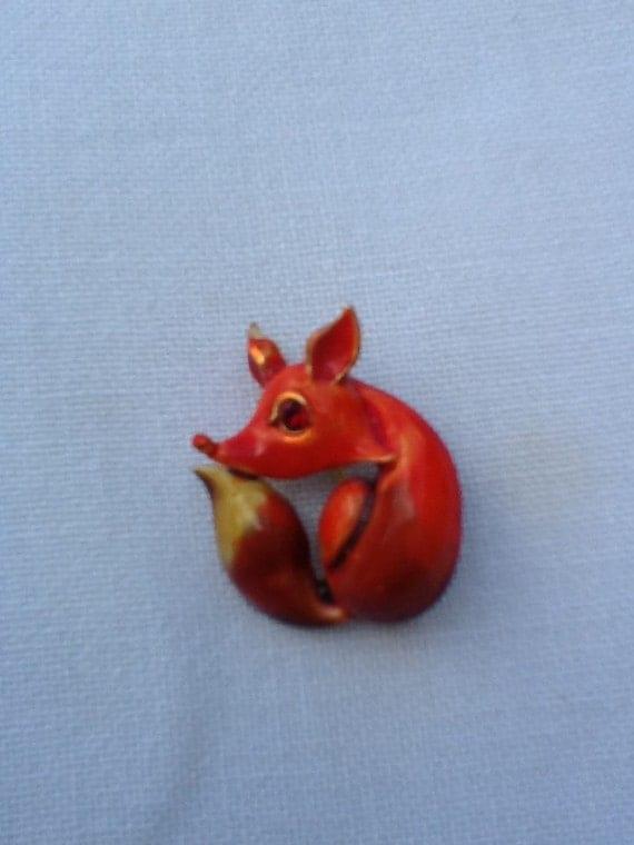 Reserved for Linda...Vintage Enamel Fox Brooch...Adorable...Signed LG