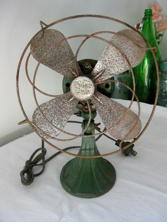 Vintage Table Fan, Antique Polar Cub Green Desk Fan, in Working Condition