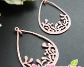 CH-ME-01765-  Dusty pink enameled, Teardrop with leaves charm, 4 pcs