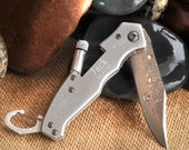 Lockback Knife w/Flashlight -Personalized - Engraved - Groomsmen Gifts - Gifts for Men - (788) - tiposcreations
