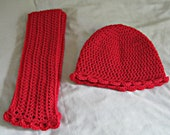 Crocheted hat and scarf set for women in lipstick red