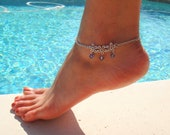 Triple Daisy Flower Anklet with Lavender Crystal