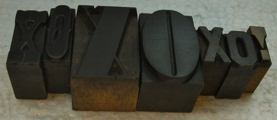 7 pieces of beautiful vintage wood type - Hugs and Kisses Beautiful old wood type