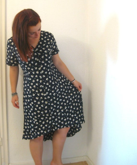 Reserved for kinirokitsune Hi Lo Vintage daisy dress : navy, floral, asymmetric, button shirt dress, plus size, L XL UK 18 20