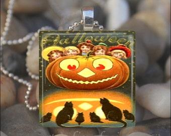 VINTAGE HALLOWEEN PUMPKIN Jack o Lantern Black Cat Bats Moon Glass Tile Pendant Necklace Keyring