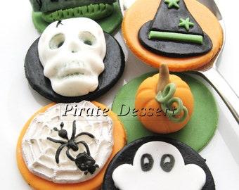 Edible Halloween cupcake toppers - HALLOWEEN CUPCAKES - Fondant cake decorations Classic Halloween Theme (6 pieces)