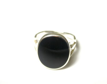 Sterling Silver Oval Onyx Ring - Size 5.5 - Weight 3.8 Grams - Black Oval  Center Stone # 888 - REDUCED