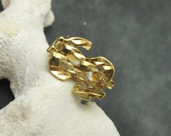 Dollar Sign Ring Nugget Diamond Cut H366
