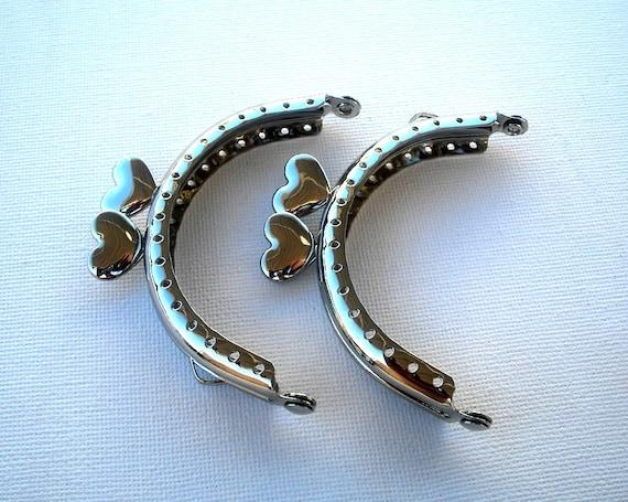 8 x 6cm  ( 3 inch) Silver colour purse frame with heart closure