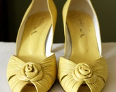 Vintage Yellow Peep-toe Heels with Rosette - Size 8-8.5