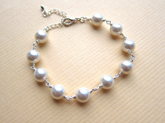 Angel's Bracelet made with Shiny Swarovski Cream Pearls, Ideal Gift for Bridesmaids