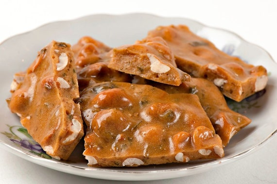 Spicy Jalapeno Peanut Brittle (1 pound)