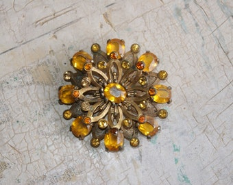 Vintage 1940s Brooch With Yellow Stones