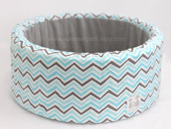 "Modern Round Cat Bed, 12"" Self Warming Plush Bed in Aqua/Charcoal Chevron Print"