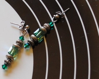 Emerald cube earrings