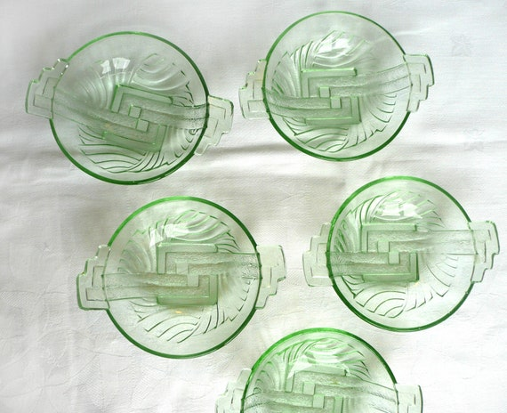 Art deco glass dishes, a set of five green glass Art Deco dessert dishes