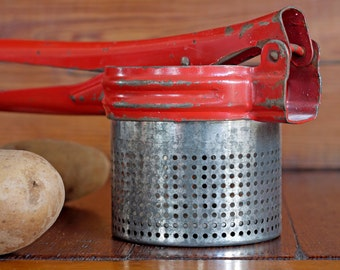 Vintage Red Potato Ricer // Vintage Kitchen Utensil