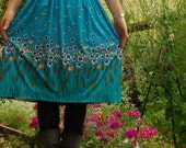 stunning vintage blue skirt with flowers and wheat detail size med.