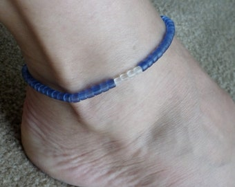 Sapphire blue and frosted clear glass beads stretch anklet