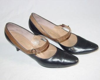 Vintage 1960s Jacobsons Black and Caramel Mary Jane Pumps