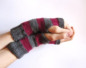 Wool knit handwarmers. Grey mittens. Mitts. Fingerless Gloves for women. Hand knitted handwarmers red violet and grey. Women accessories.