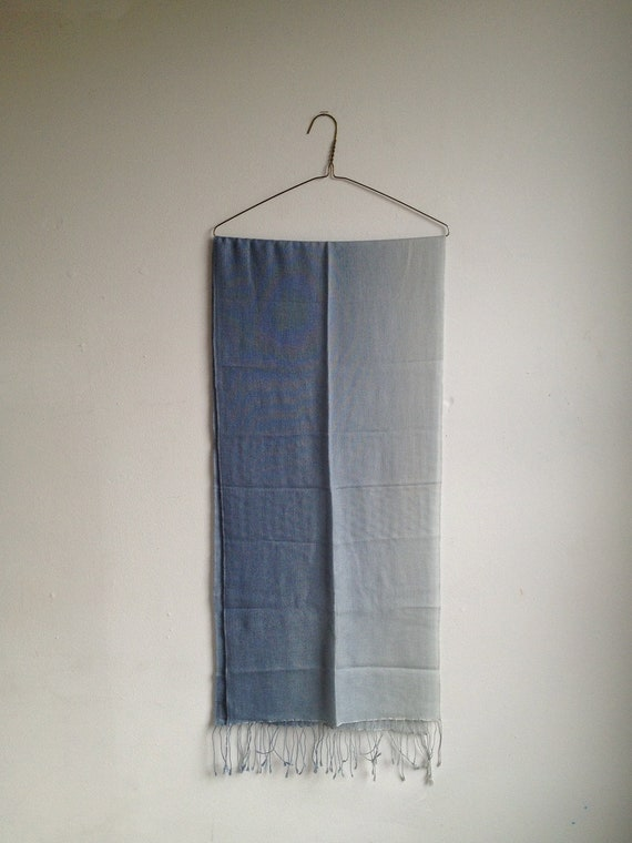 VINTAGE Beautiful 70Cashmere/30Silk% Gradient Blue Pashmina Scarf Nepalese