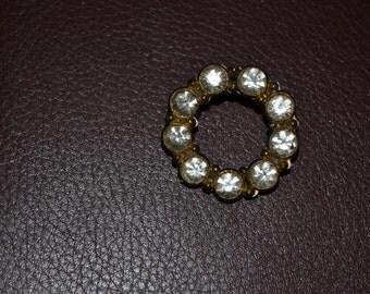 ON SALE Vintage Rhinestone Circle Pin