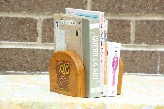 Vintage Wooden Big Eyed Brown Owl Birds Book Ends Retro 1970s