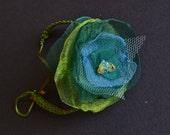 Bracelet organzaflower fabric blue and green makrame Jade OAAK