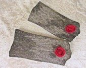 Felted gauntlets, felt fingerless gloves, grey with red felted rose, 99 % wool, appr. 7.8 x 3.7 inches (size m), felted
