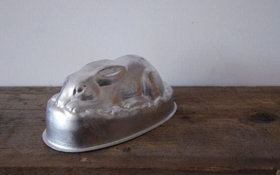 Vintage Bunny Rabbit Cake Tin Or Jelly Mould By