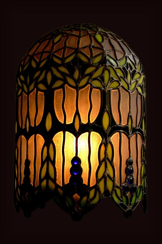 Stained glass lamp with blue pearls
