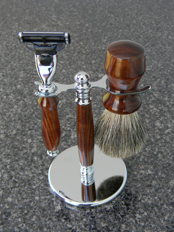 Razor, Shaving Brush & Stand in Rosewood
