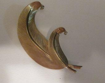Vintage Winard Goldtone Brooch