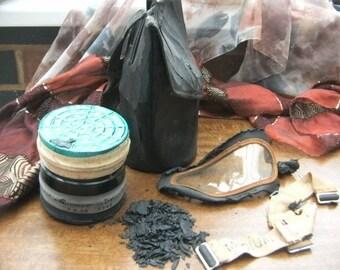WW2 British Gas mask cannister & bag size medium