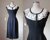 1960s Vintage Wiggle Dress / Silk Crepe / Black and White / Medium / 60s Dress