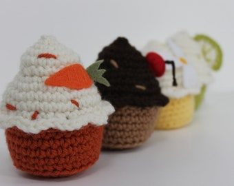 deliciously adorable amigurumi cupcakes