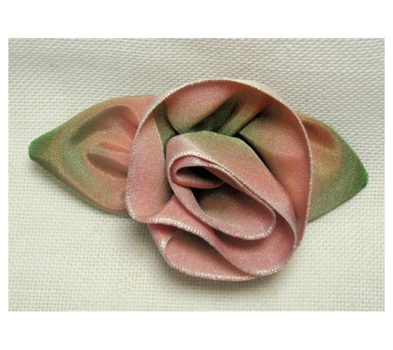 Rosette Pin with Leaves.