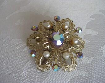 1980s Vintage Pearl Brooch with Rhinestones